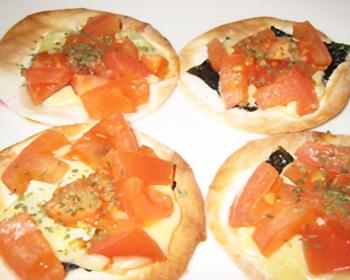 海苔とトマトの和風ミニピザ